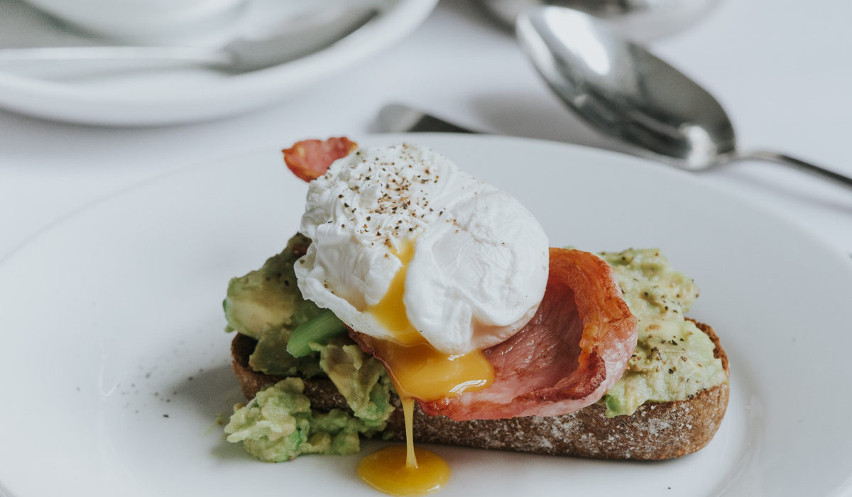 Healing Manor Hotel Grimsby, Breakfast poached egg and avocado