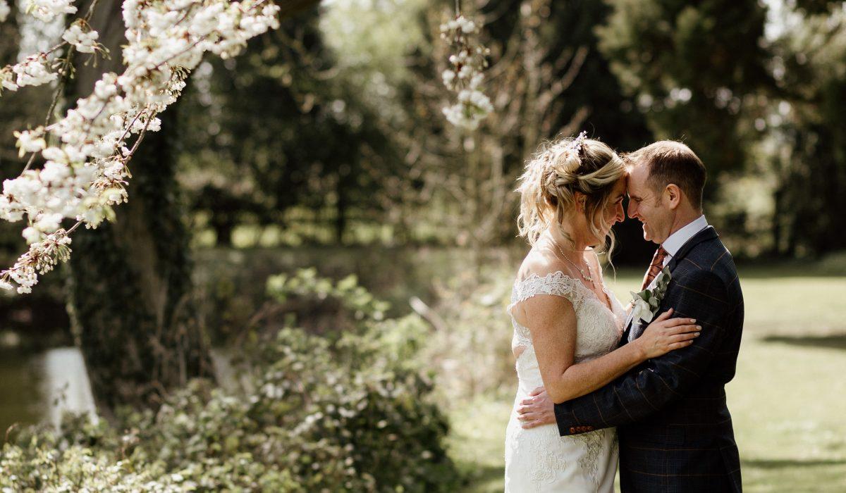Amanda and Garret's Barn Wedding at Healing Manor Hotel