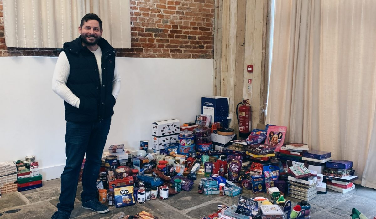 Ramdens Internation donated hundred of gifts to charity